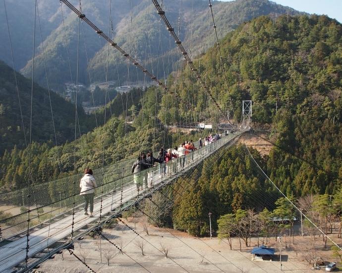 谷瀬の吊り橋 写真2