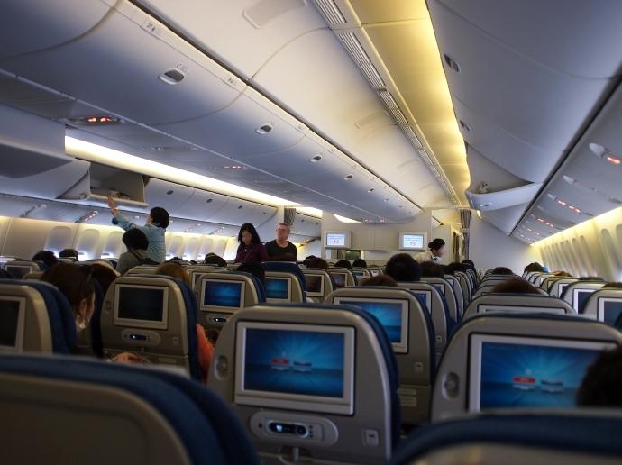 フランス旅行 大韓航空 機内
