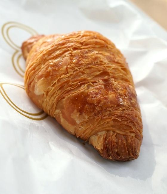 ガトー・トゥーミュー Croissant