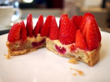 ジャック・ジュナン tarte fraises 断面
