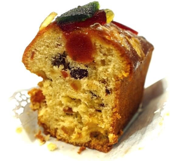 トゥルティエ Cake aux fruits 断面