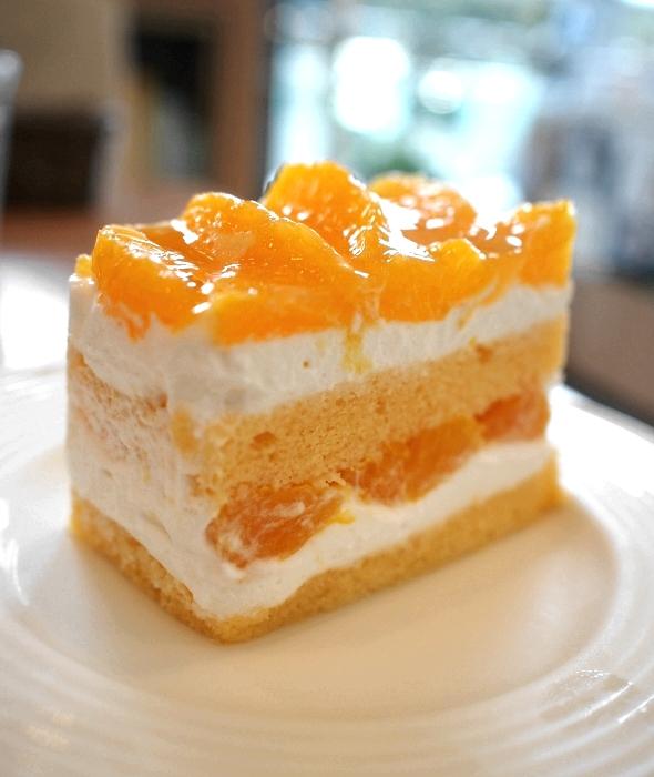 イル・プルー・シュル・ラ・セーヌ オレンジのショートケーキ