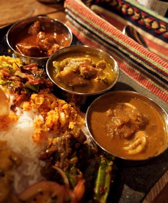 カルパシ スリランカスタイルの定食 写真2