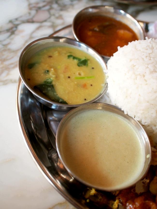 サンバレー ホテル Southindian Veg Thali ダル バナナ