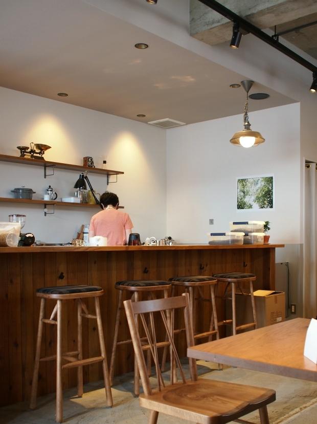 タストリーコーヒーの店内1
