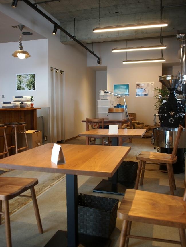 タストリーコーヒーの店内2