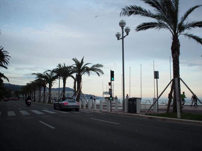 南フランス旅行 タクシーから 海岸通り