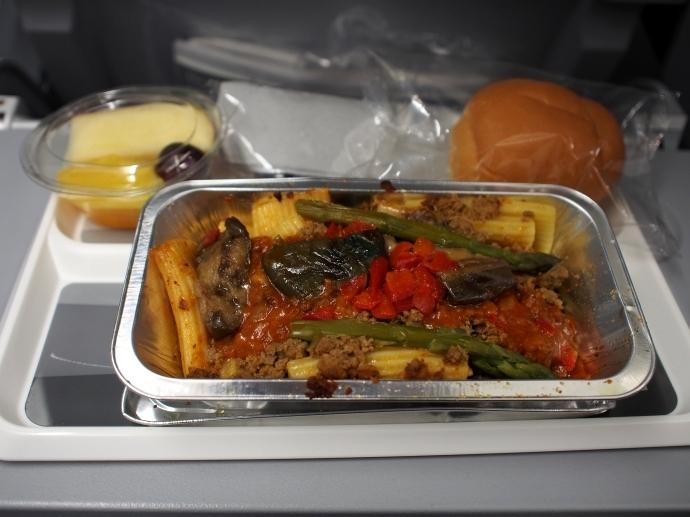 南フランス旅行 機内食2