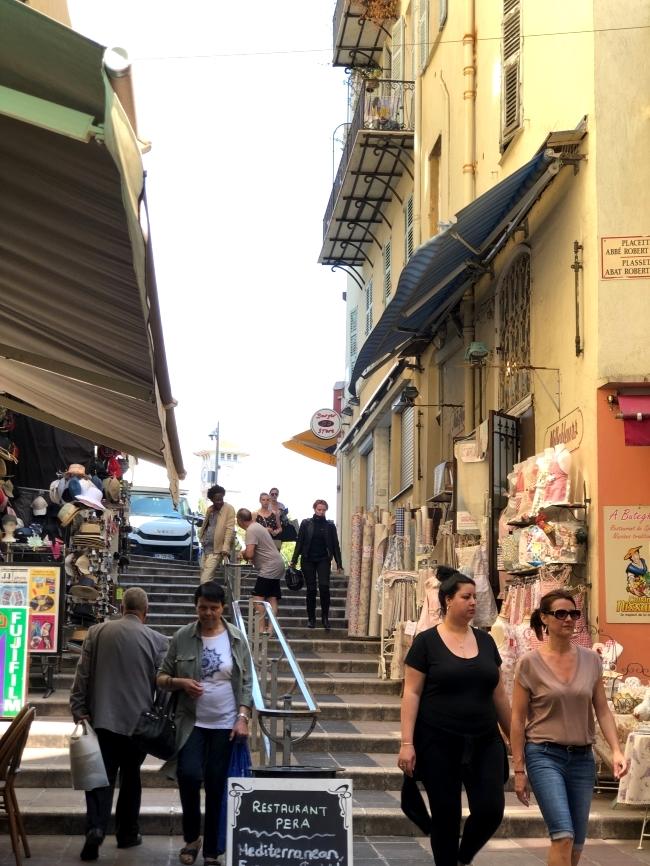 ニースの旧市街 Descente du Marché