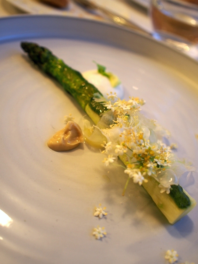 Asparagus/Burrata/Wild Garlic/Greek Yoghurt