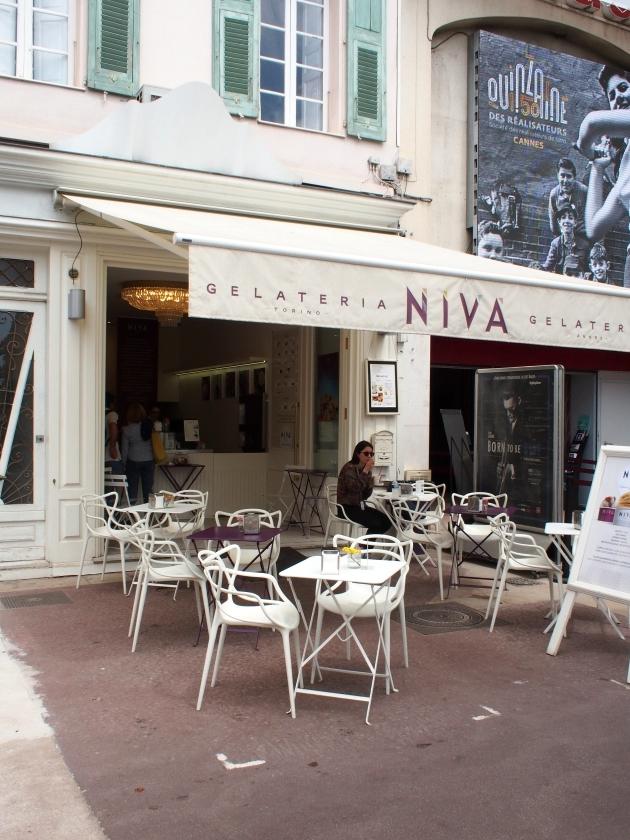 ニヴァ 店