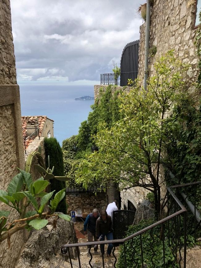 エズ村 Rue de la Pise から海側の景色