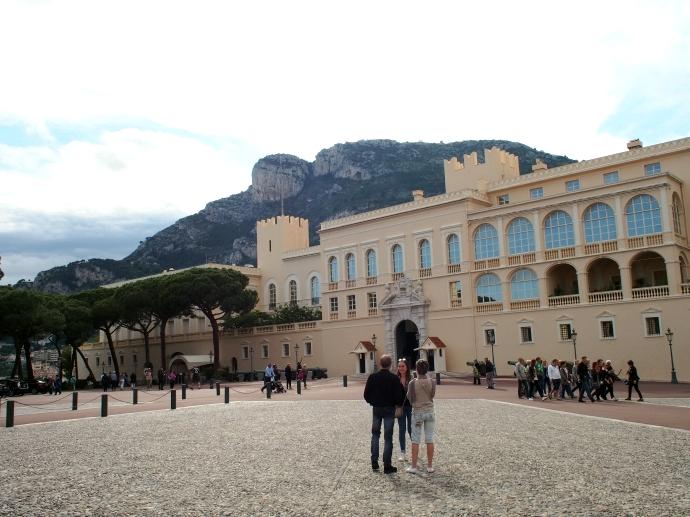 プチトラン モナコ宮殿