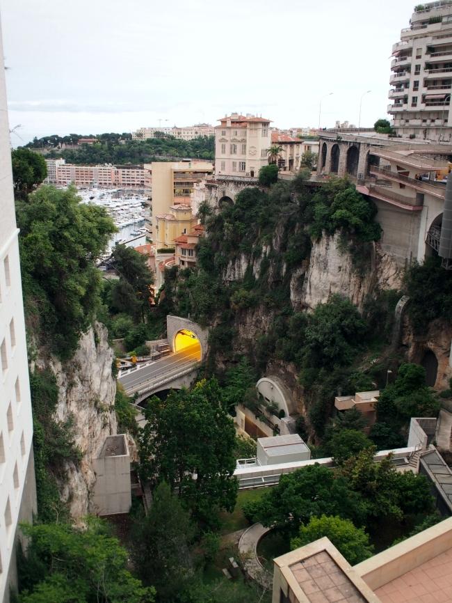 モナコ駅前からの眺め
