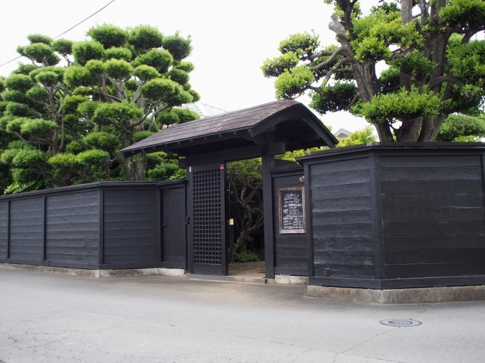 irodori 店の門