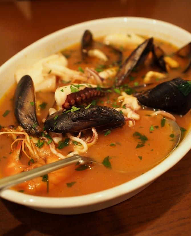 南イタリア料理ナポリ 魚介のスープ 1680円