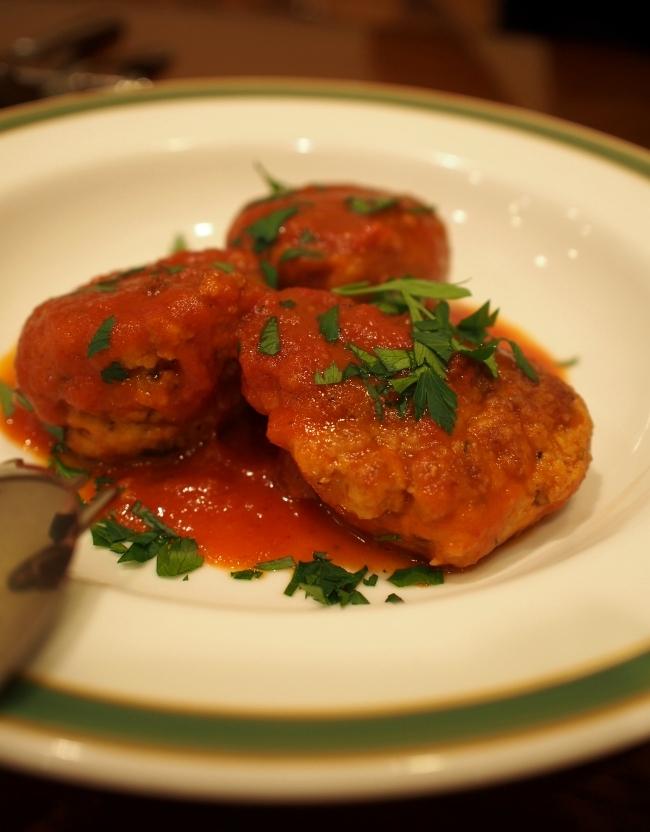 南イタリア料理ナポリ マグロ団子のトマト煮 980円