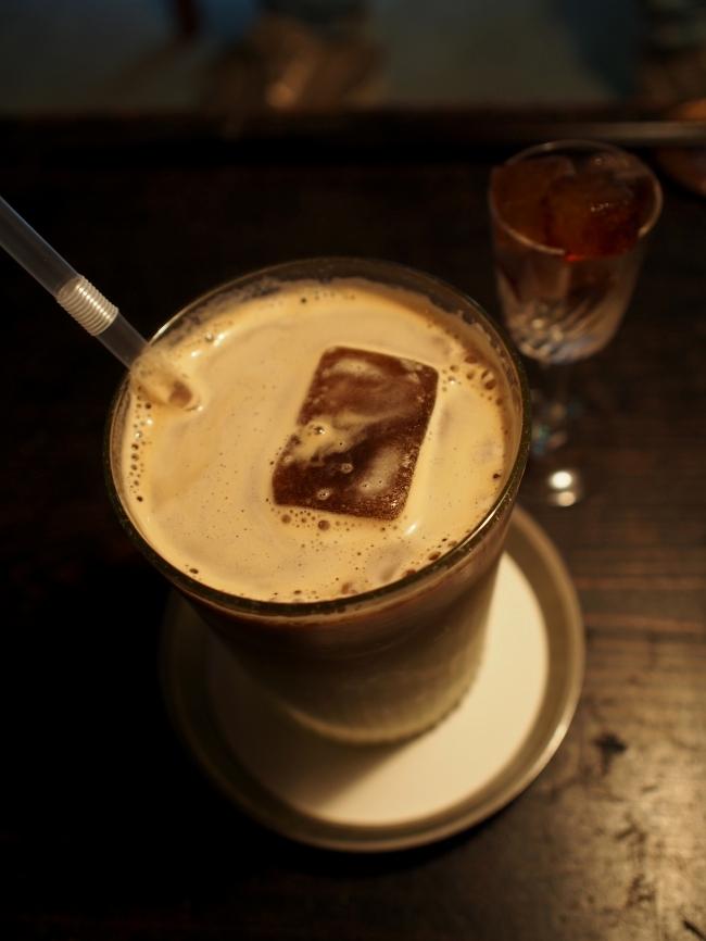 ミルクコーヒー 夕闇 冷