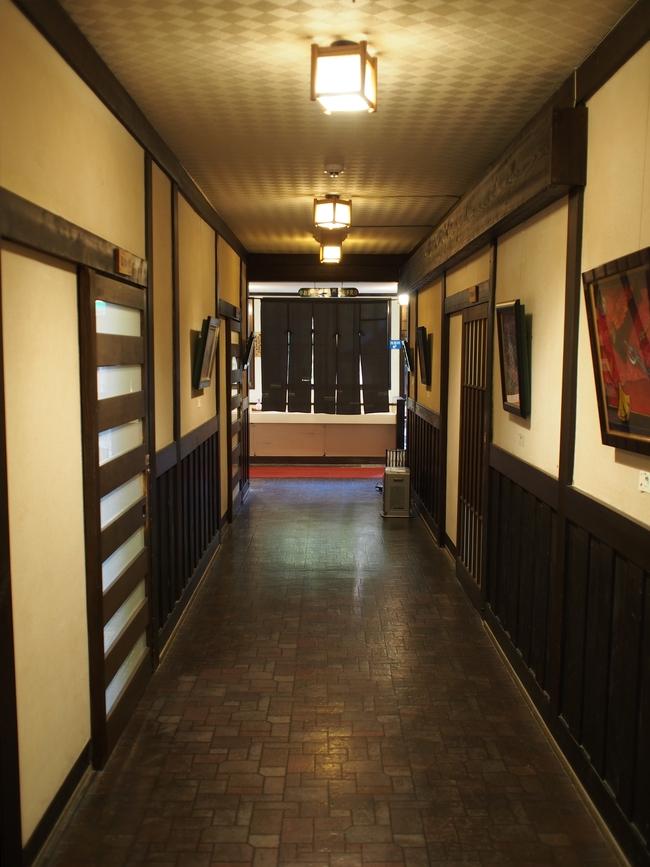 岩村山荘の廊下