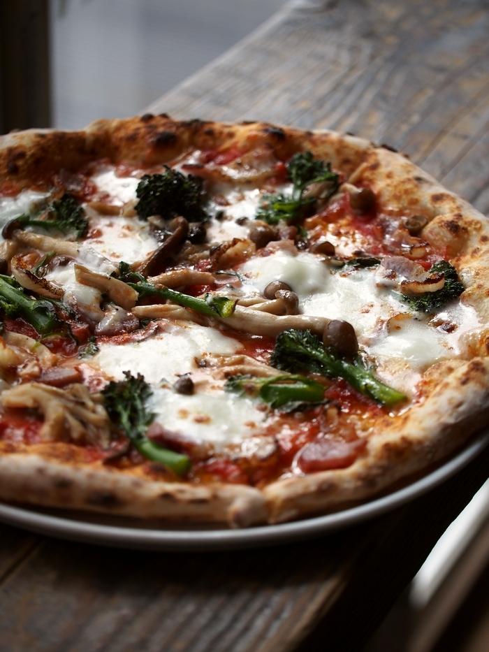 ピッツェリア・オーシャン ベーコンと季節の野菜