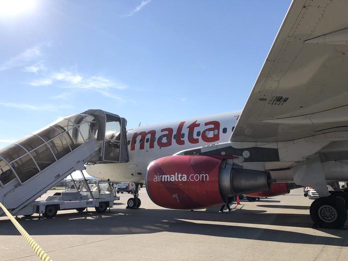 マルタ航空搭乗