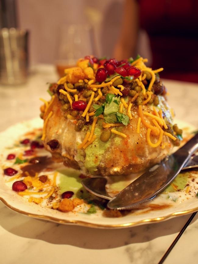 インド食堂タルカ ラジ・カチョリ