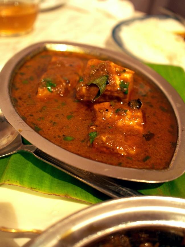インド食堂タルカ ネロール・チャパラ・プルス