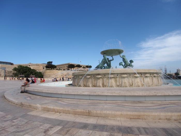 ヴァレッタ観光 Triton Fountain