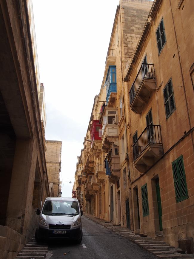 バレッタ St. Ursula Street