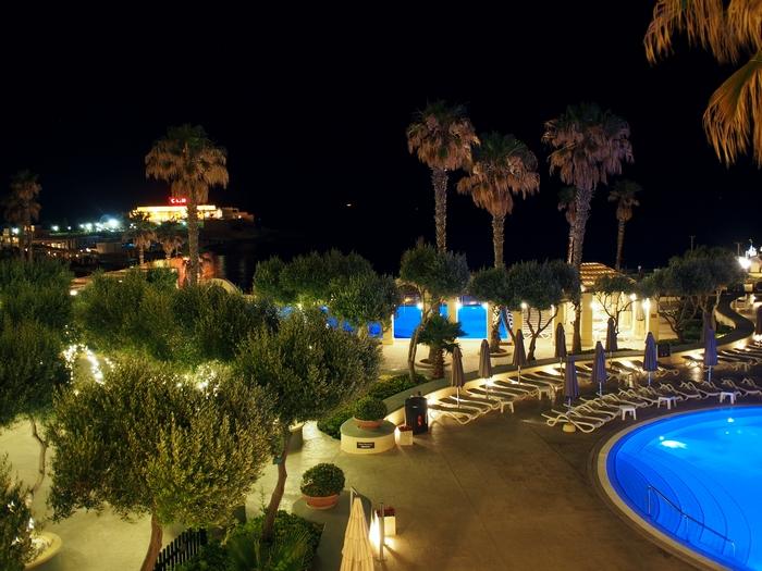 Hilton malta プール2