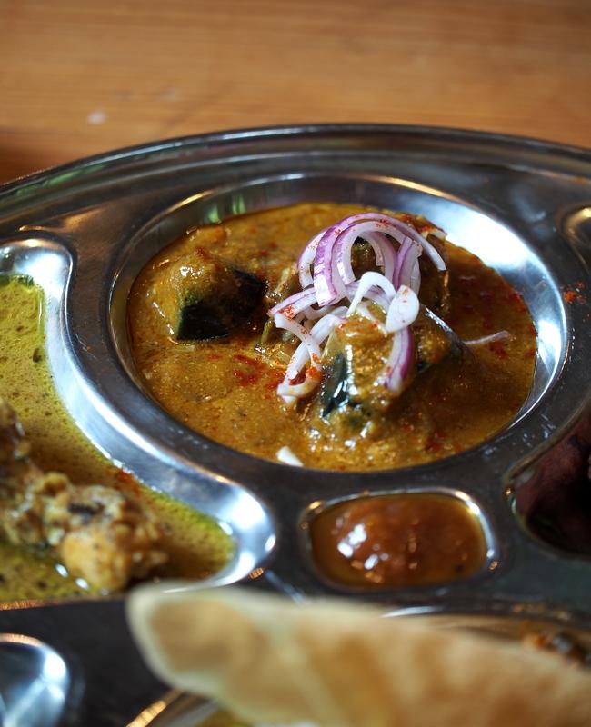 本日のターリー Brinjal curry