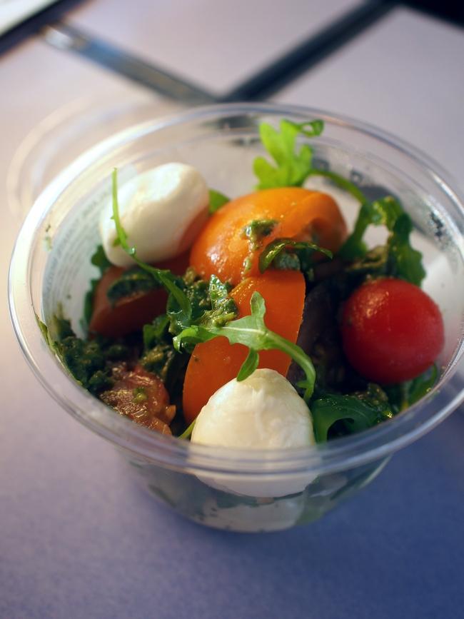オーバーバイス Tomates-Mozzarella