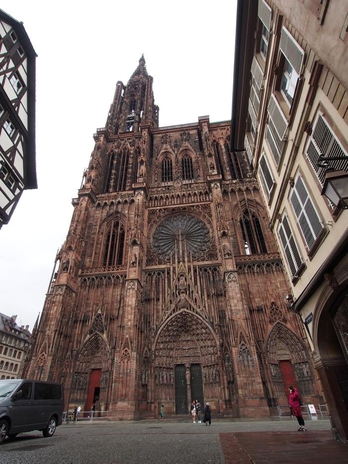 ストラスブール大聖堂 メルシエール通り(Rue Mercière)から2