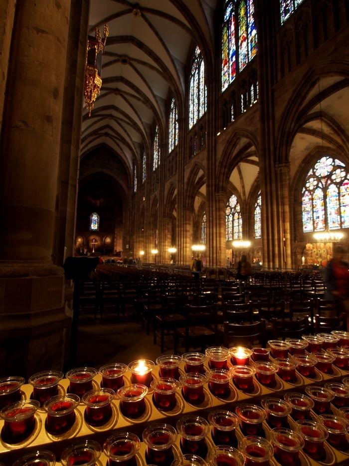 ストラスブール大聖堂 聖堂内と蝋燭