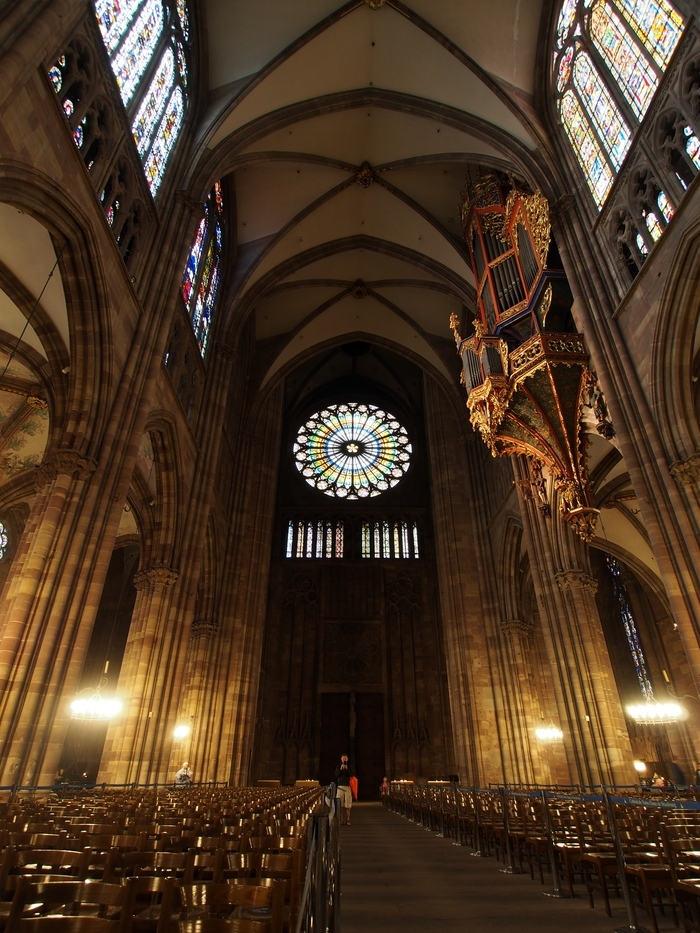 ストラスブール大聖堂のバラ窓