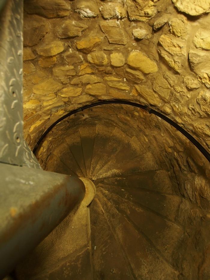 ボックの砲台 その11 螺旋階段