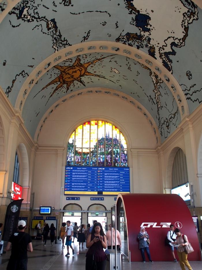 ルクセンブルク駅内