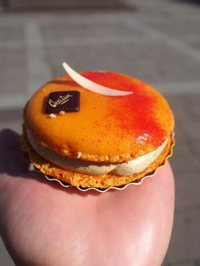 パティスリークリスチャン Macaron abricot et pistache