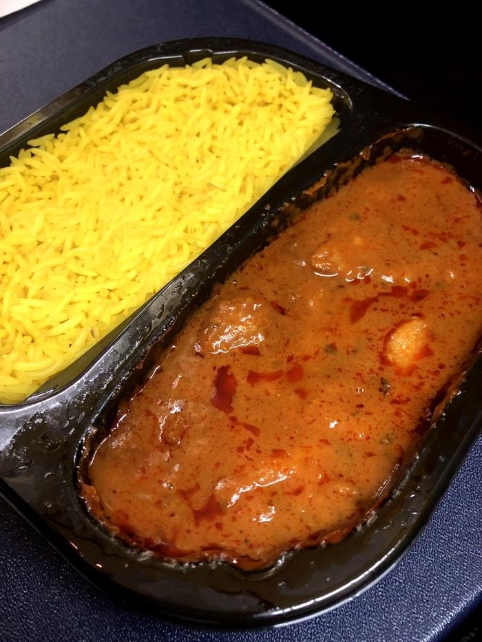 ライアンエアーの機内食 チキンティッカマサラ