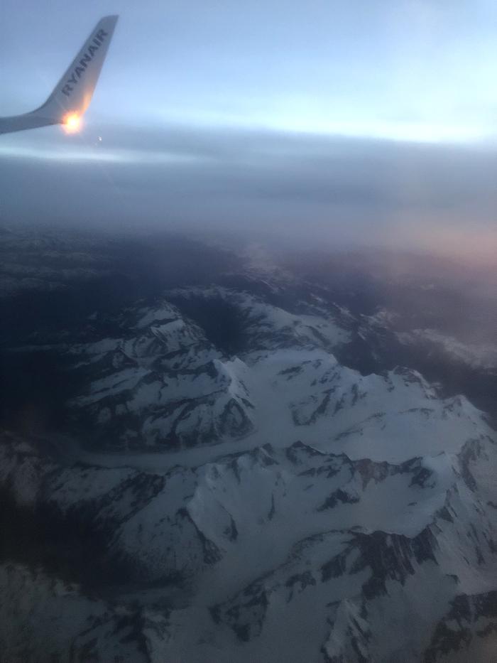 ライアンエアー 雪山が見える