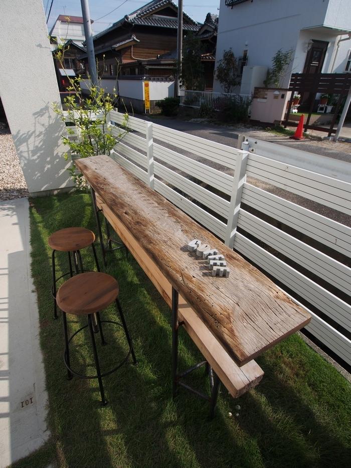 トキイロコーヒー 外の席