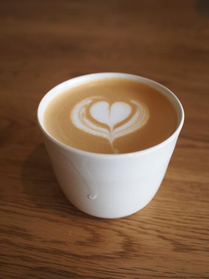 「haru. coffee&cakes」 カフェラテ
