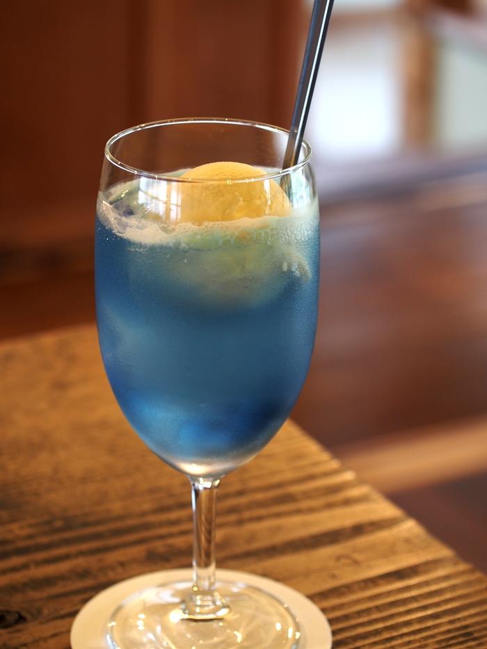 冬夏青青 ソーダ水 藍 バニラアイス付き