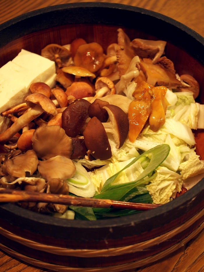 鹿教湯温泉三水館 きのこ鍋の具材