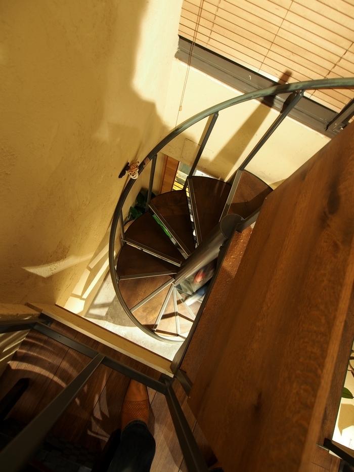 SUGiTORAの螺旋階段